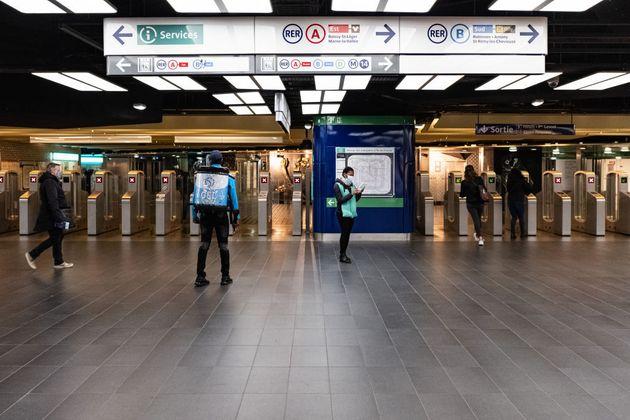 Trafic RER perturbé en Ile-de-France après l'agression d'un cheminot (Photo prétexteSamuel...