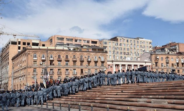 Αρμενία: Ο στρατός ζητά την παραίτηση του