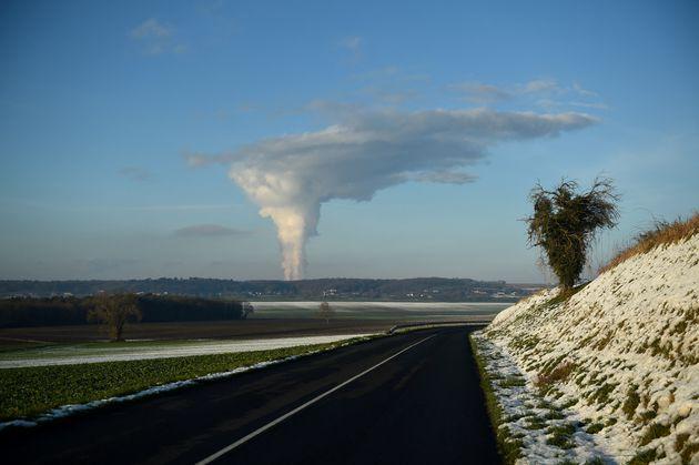 La centrale de Chinon, l'une des plus vieilles centrales nucléaires de France, le 8 février