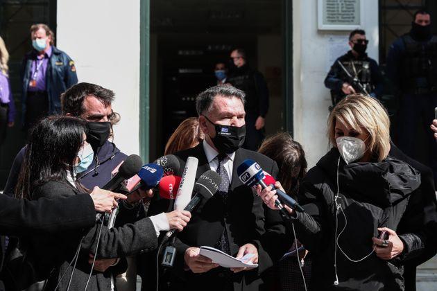 ΑΠΟΛΟΓΙΑ ΤΟΥ ΔΗΜ. ΛΙΓΝΑΔΗ ΣΤΟΝ ΑΝΑΚΡΙΤΗ: Ο συνήγορος υπεράσπισης Αλέξης Κούγιας κάνει δηλώσεις στους