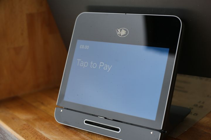 Square's contactless reader