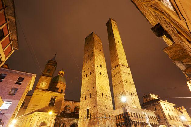 Bologna in zona rossa |  domani l'ordinanza regionale