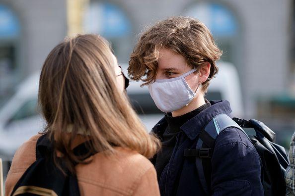 Βέλγιο: Μακριά από τις μάσκες που μοίρασε η κυβέρνηση - Είναι