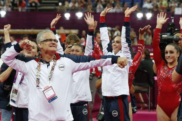 Geddert celebra el Oro de EEUU en los Juegos Olímpicos de