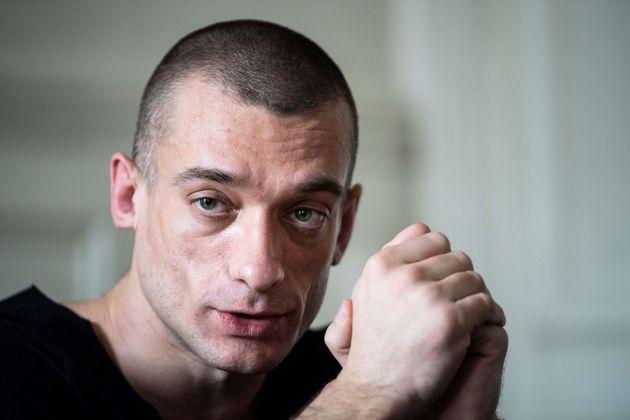 El artista ruso Petr Pavlensky, refugiado en