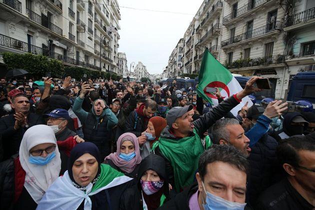"""Algeria ancora in piazza, la """"Primavera araba"""" non è mai"""