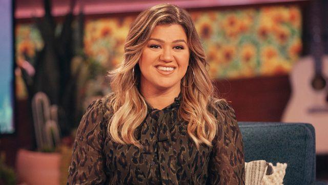 Kelly Clarkson Says She Has 'Written Like 60 Songs' Amid Divorce.jpg