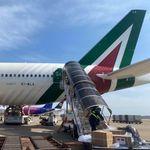 Il Governo vuole trasferire subito aerei e flotta alla nuova Alitalia (di G.