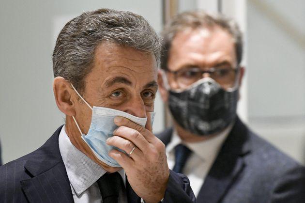Nicolas Sarkozy photographié en sortie d'audience au tribunal judiciaire de Paris