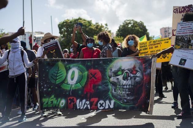 En Martinique, le scandale du chlordécone et la menace d'une prescription mobilise (Photo prise à Fort-de-France,...