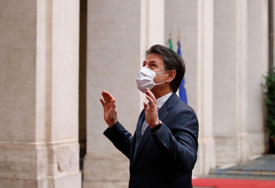 Giuseppe Conte saluta i dipendenti di Palazzo