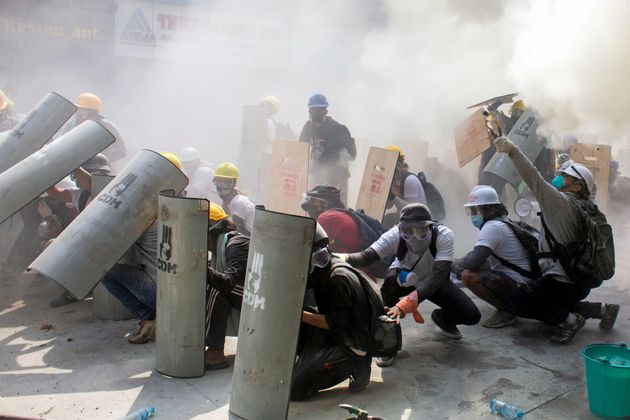 Νεκροί διαδηλωτές υπέρ της αποκατάστασης της Δημοκρατίας στην