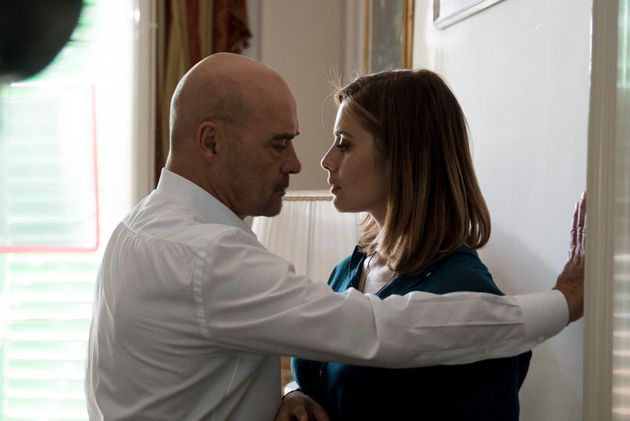 Luca Zingaretti e Greta Scarano nell'episodio