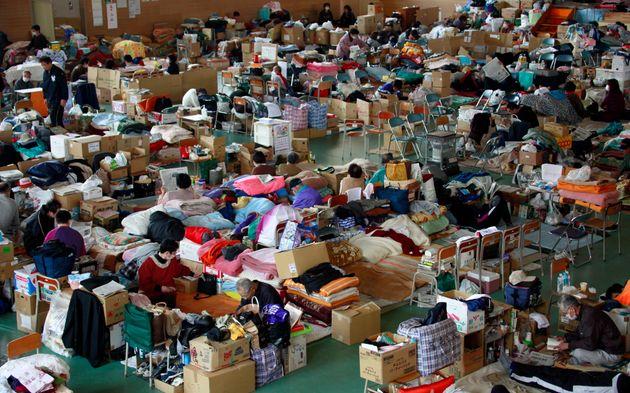東日本大震災で設置された避難所 撮影日:2011年4月14日 本文中に出てくる避難所とは関係がありません。