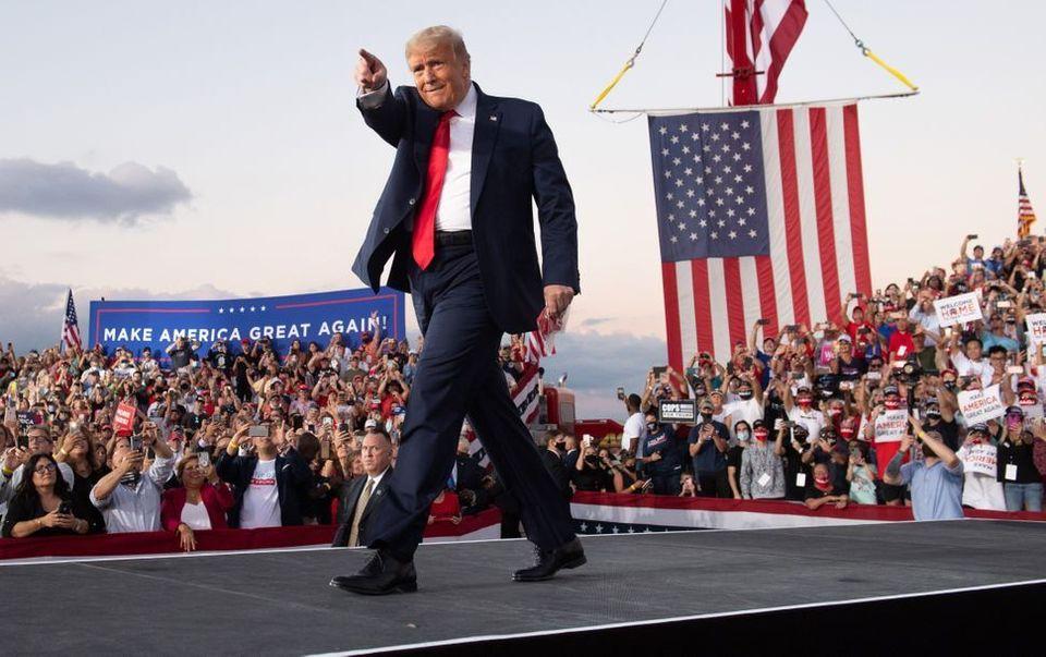 Donald Trump haciendo campaña en Florida el 12 de octubre de