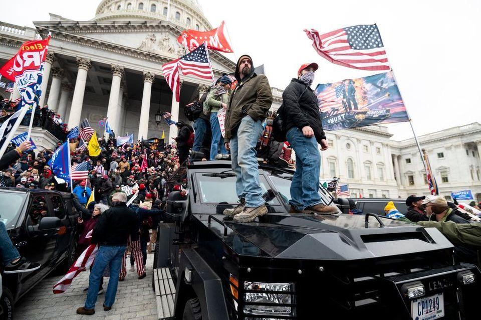 Fanáticos de Trump toman el Capitolio el 6 de enero de