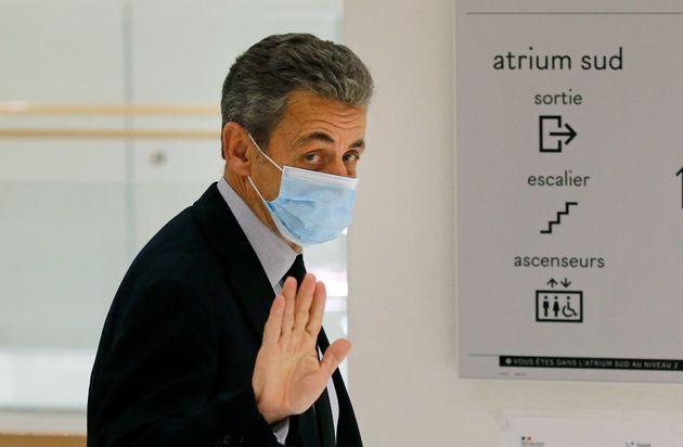 Nicolas Sarkozy condannato a tre anni per corruzione e traffico di influenze
