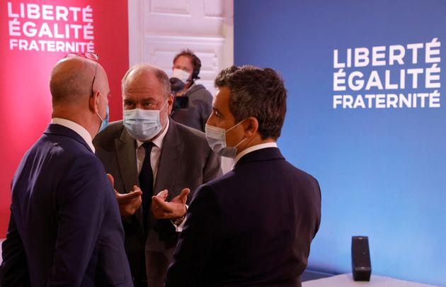 Jean-Michel Blanquer, Eric Dupond-Moretti et Gerald Darmanin le 2 octobre 2020 aux Mureaux.