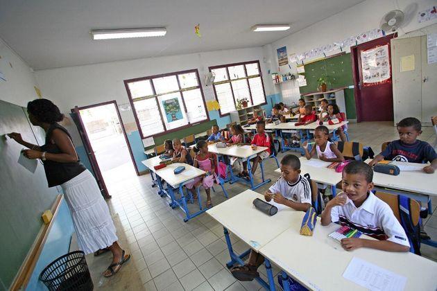 Photo d'illustration prise en 2006 dans une école primaire du Port, à La
