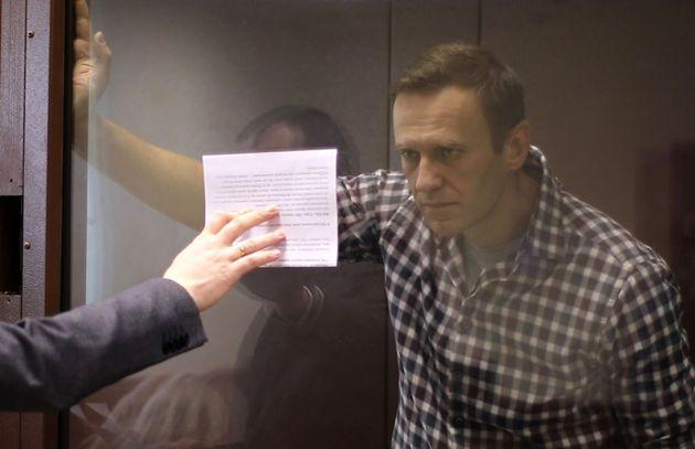 Navalni, durante un juicio en