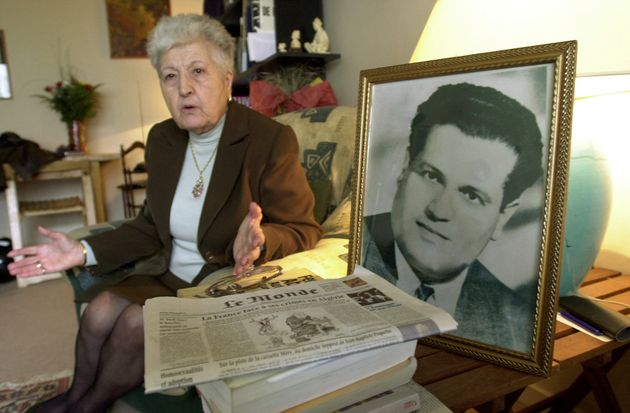 Malika Boumendjel, la veuve de l'avocat algérien Ali Boumendjel (photo), au domicile de son fils...