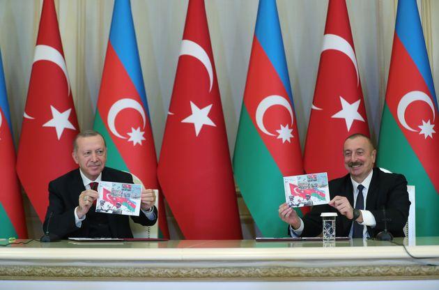 Ο Τούρκος πρόεδρος Ρ.Τ. Ερντογάν μαζί με τον πρόεδρο του Αζερμπαϊτζάν Ιλχάμ Αλίγιεφ