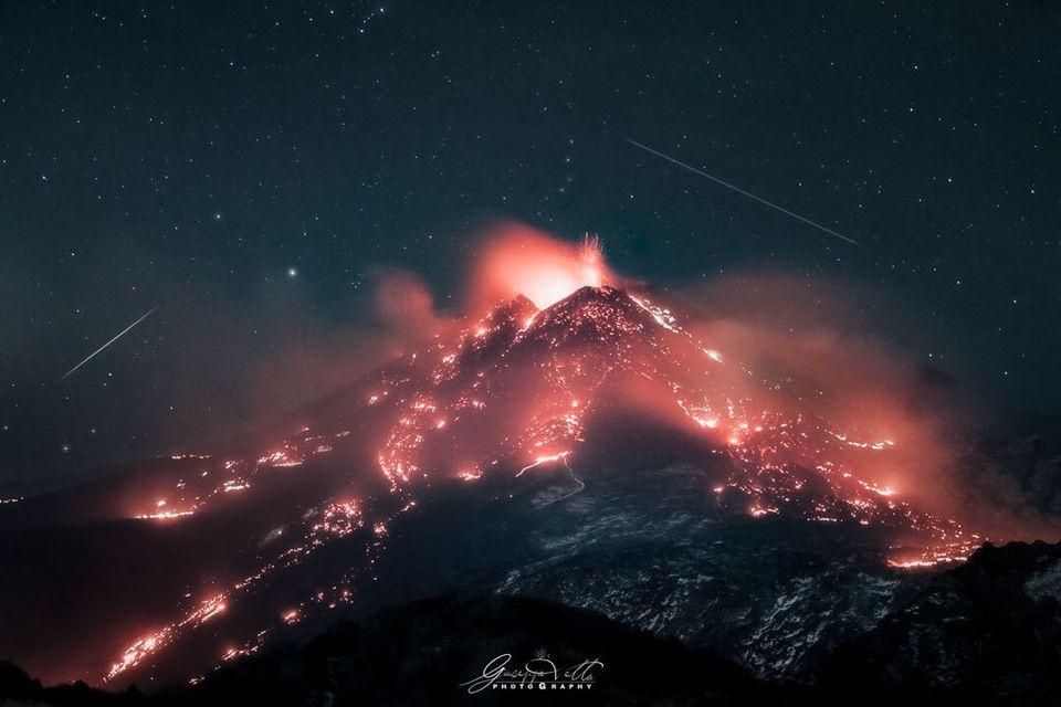 L'Etna in fiamme strega la Nasa: lo scatto di un palermitano scelto come foto del