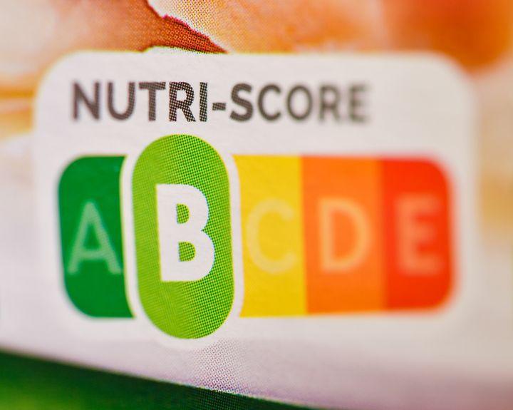 Una etiqueta de Nutriscore en un paquete de jamón cocido.