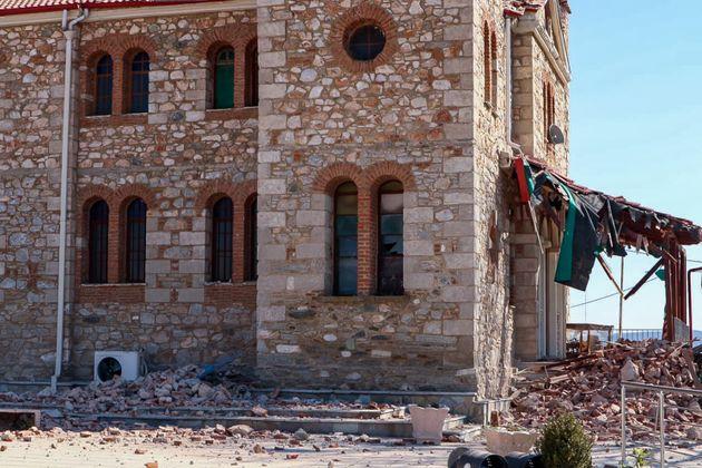 Σεισμός στην Ελασσόνα: Ζημιές σε δεκάδες σπίτια, απεγκλωβισμοί παγιδευμένων
