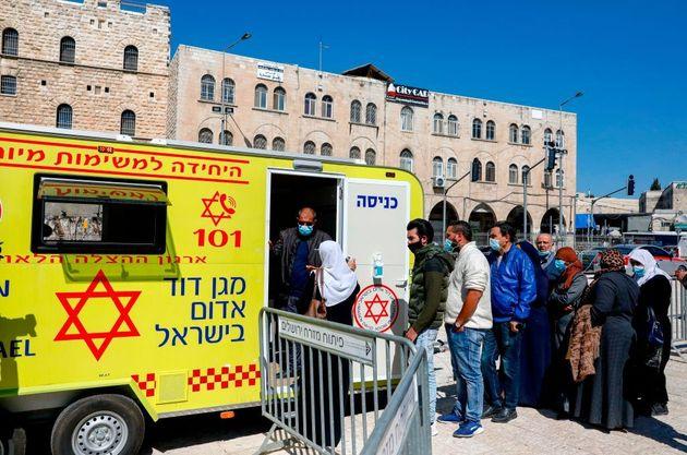 Παλαιστίνη: Σάλος με την προτεραιότητα εμβολιασμών σε ποδοσφαιριστές και