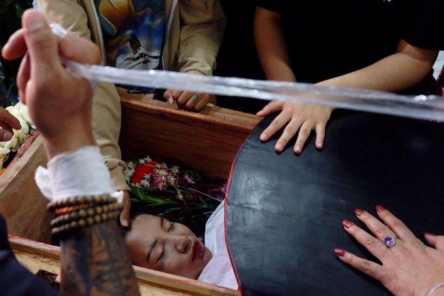 Funeral de Angel, conocida como Kyal Sin, una joven de 19 años que ha participado en las