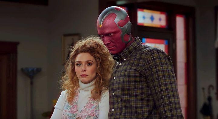 Elizabeth Olsen et Paul Bettany dans leurs rôles de Wanda Maximoff et Vision.