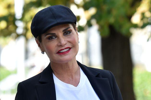 Simona Ventura è positiva al covid. Non sarà al