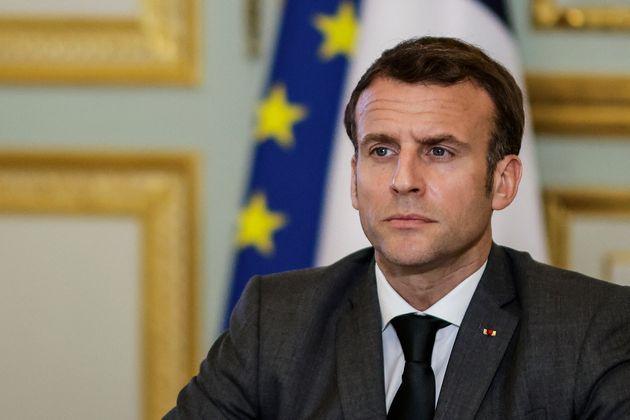 Emmanuel Macron photographié lors d'une visioconférence à l'Élysée le 3 mars