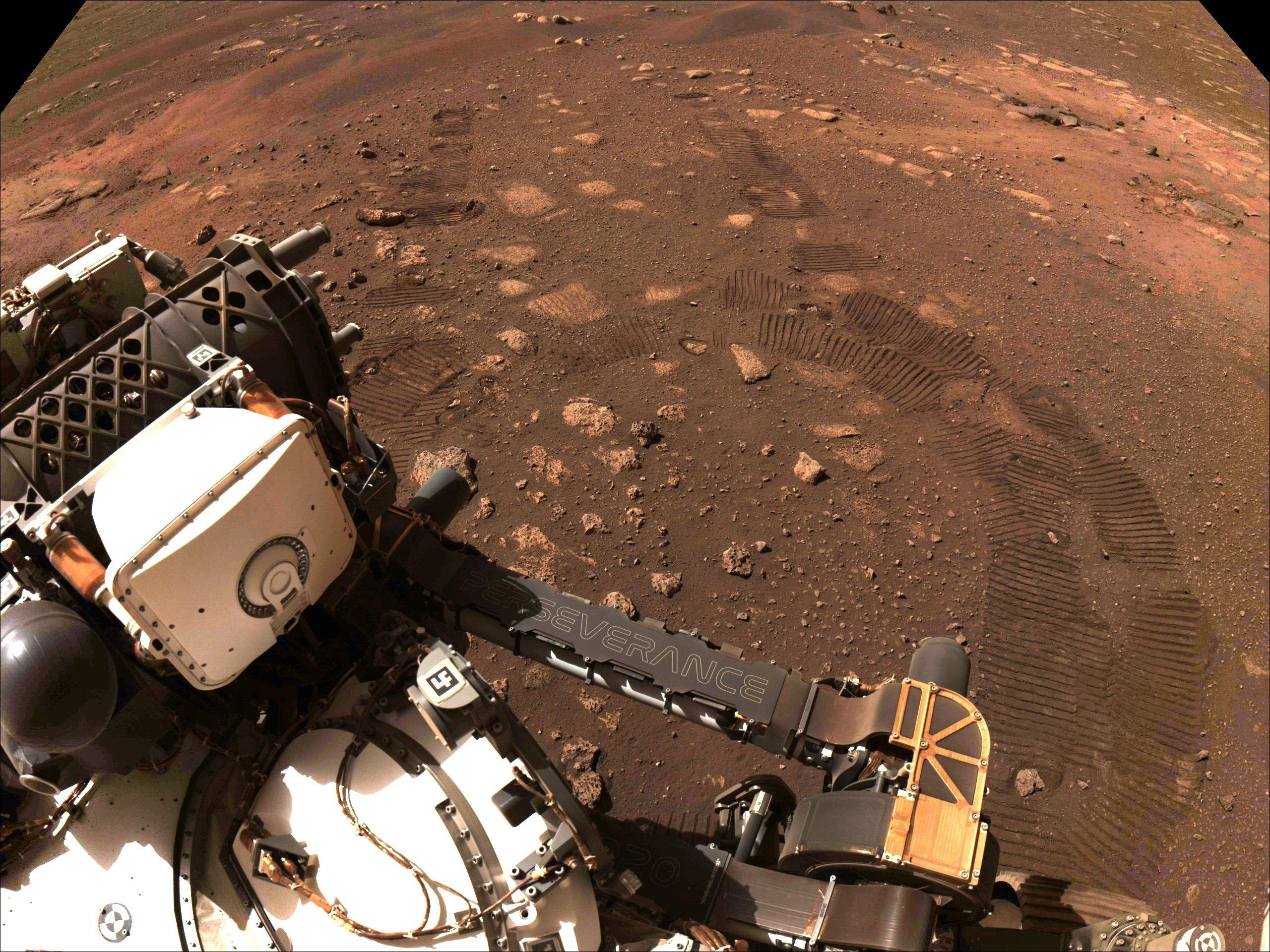 Sur Mars, Perseverance fait ses premiers pas