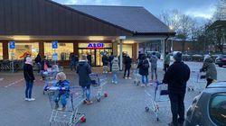 La vente de tests antigéniques provoque une ruée sur les supermarchés en