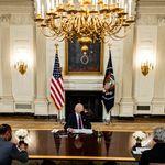 ΗΠΑ: εγκρίθηκε το πακέτο Μπάιντεν - Πράσινο φως για τσεκ 1.400 δολαρίων σε κάθε