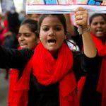 娘を「斬首」した父親、頭部を持って歩く。インドで深刻な「名誉殺人」