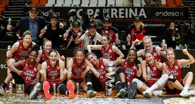 Las jugadoras del Girona celebran el