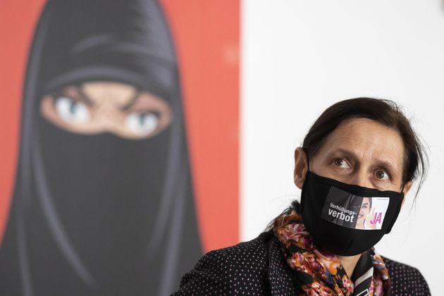 La civile Svizzera e il divieto del velo