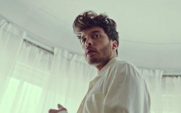 Blas Cantó en el videoclip de 'Voy a