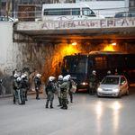 Όχι άλλη βία - Τέσσερις αρθρογράφοι αντιδρούν για τα επεισόδια στη Νέα