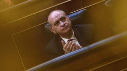 La Policía pide al juez permiso para buscar los mensajes que Fernández Díaz borró de su