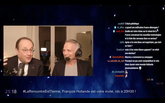 L'ancien président français François Hollande et le journaliste Samuel Étienne...