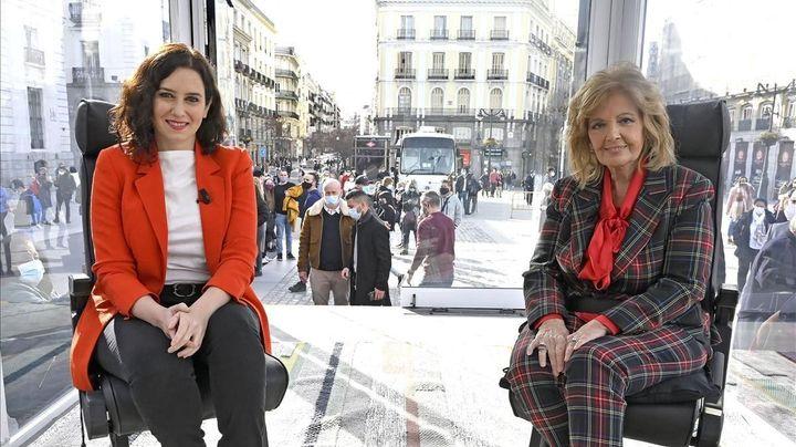 Isabel Díaz Ayuso y María Teresa Campos en 'La Campos Móvil'.