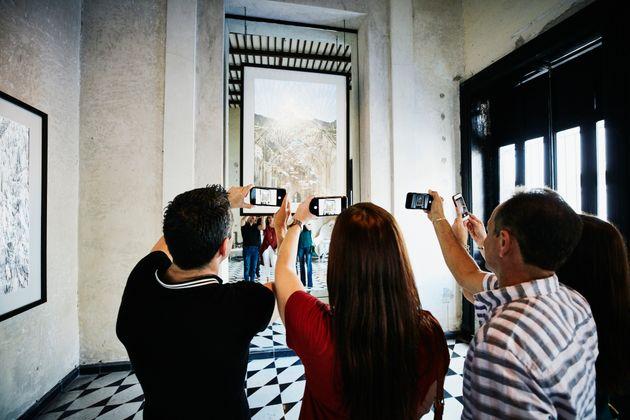 Vietare l'uso delle foto dei beni culturali è un danno