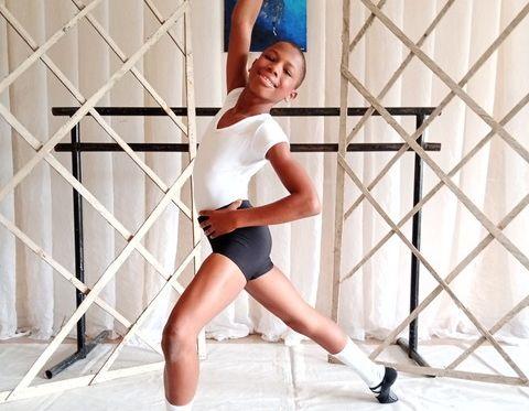ナイジェリアの貧困地区から、世界最高峰のバレエスクールへ。少年の運命を変えた、一本の動画の誕生秘話