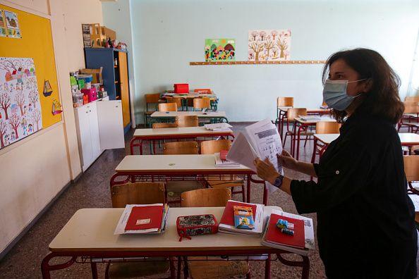 16 Νοεμβρίου 2020. Μία δασκάλα σε άδεια τάξη νηπιαγωγείου εν μέσω lockdown στην Αθήνα.