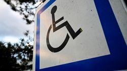 Des places handicapés accessibles aux femmes enceintes? Le retour d'une vieille