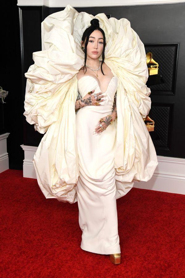 「グラミー賞」2021年 セレブたちの豪華なドレス姿がこれだ【画像集】